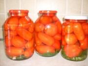 Консервированные маринованные помидоры в банке 1,5 л